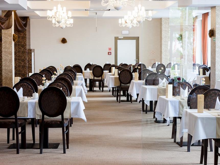 https://bilder.touridat.de/15405/6005/15405-6005-05-Restaurant