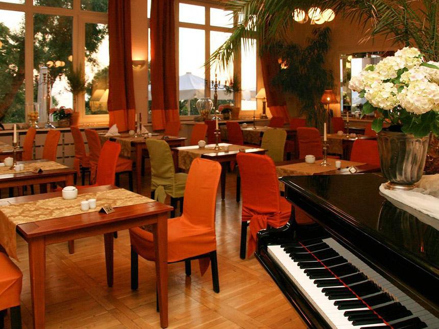 https://bilder.touridat.de/15412/7306/15412-7306-03-Restaurant