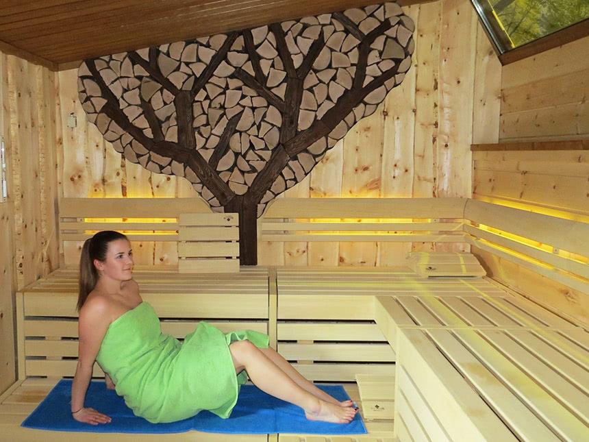 https://bilder.touridat.de/15476/6705/15476-6705-09-Sauna