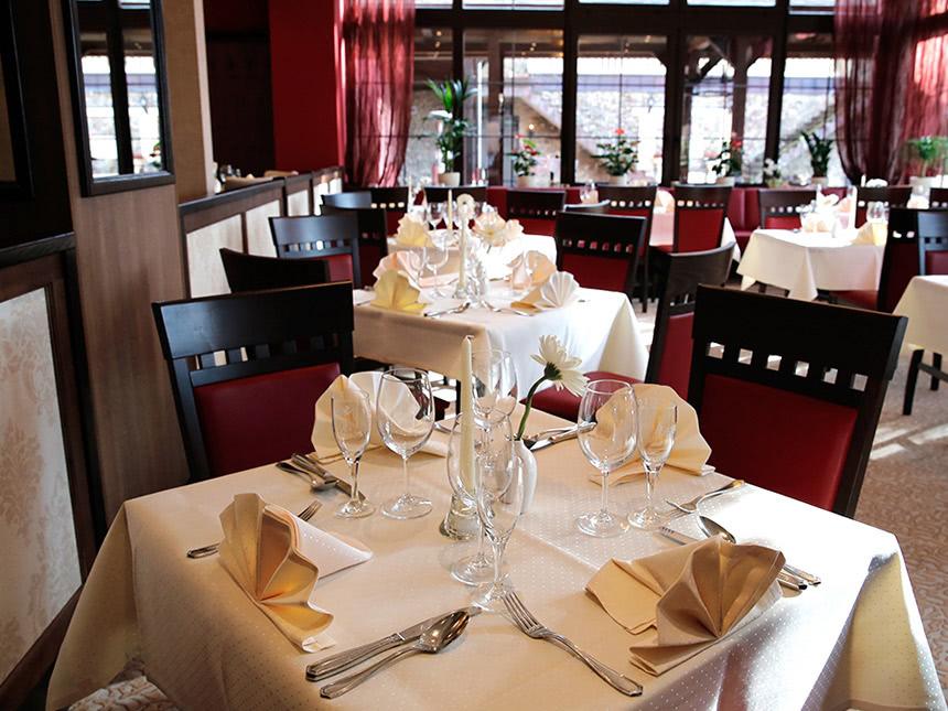https://bilder.touridat.de/15557/6433/15557-6433-08-Restaurant-01