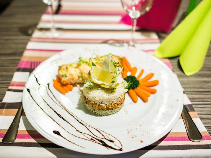 https://bilder.touridat.de/15569/6666/15569-6666-12-Restaurant