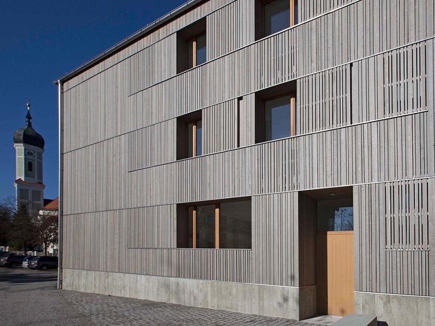 https://bilder.touridat.de/15571/6491/15571-6491-01-Appartmenthaus