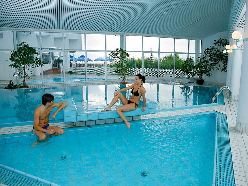 https://bilder.touridat.de/15974/7678/15974-7678-10-Pool