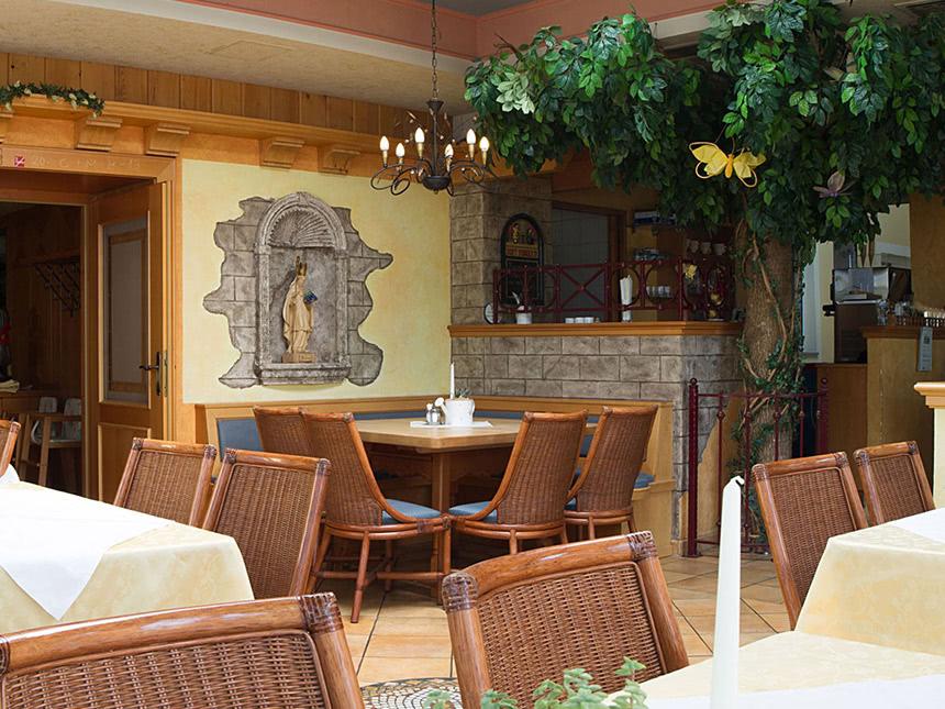 https://bilder.touridat.de/16385/6923/16385-6923-04-Restaurant