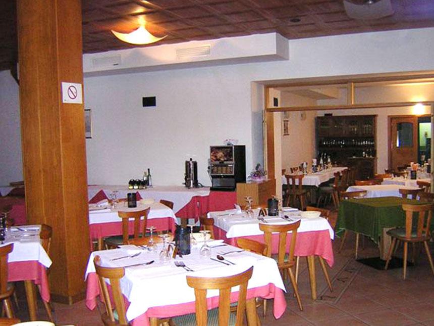 https://bilder.touridat.de/16488/6885/16488-6885-05-Restaurant