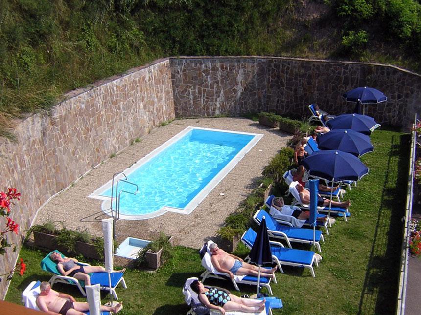 https://bilder.touridat.de/16488/6885/16488-6885-10-Pool