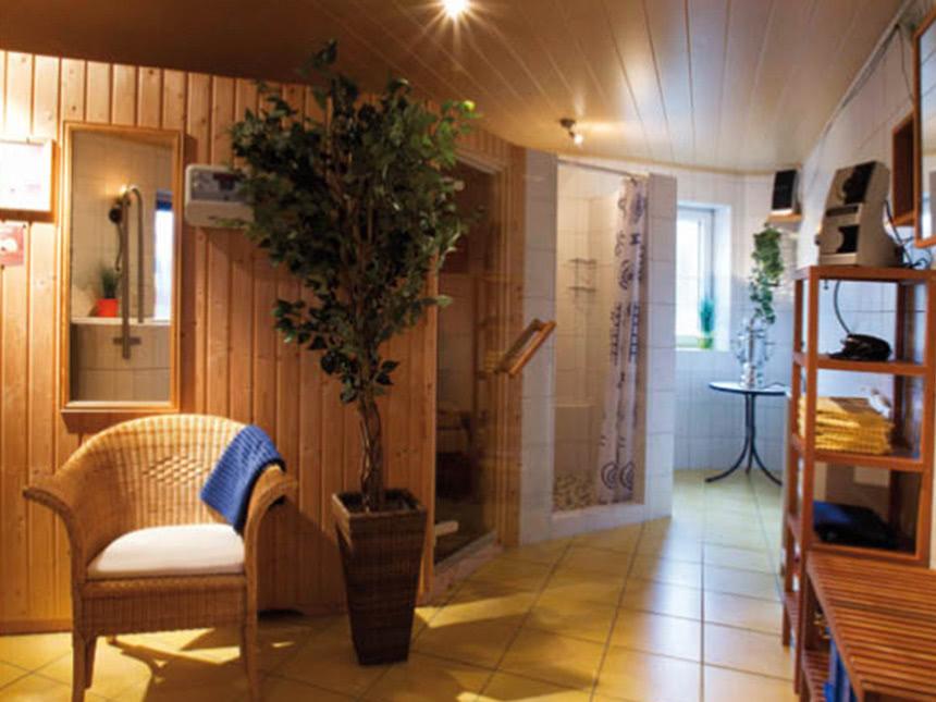 https://bilder.touridat.de/16633/7229/16633-7229-09-Sauna