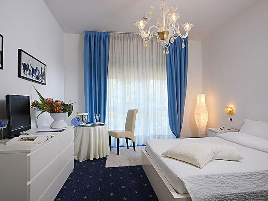 https://bilder.touridat.de/16641/7130/16641-7130-11-Zimmer