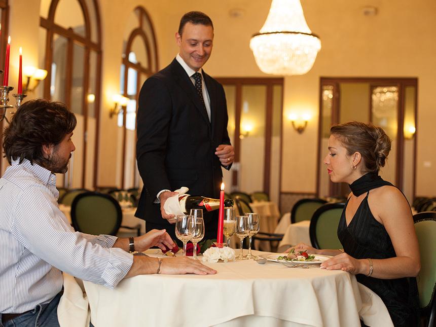 https://bilder.touridat.de/16694/7398/16694-7398-04-Restaurant