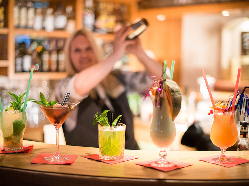 https://bilder.touridat.de/17057/7174/17057-7174-12-Cocktails