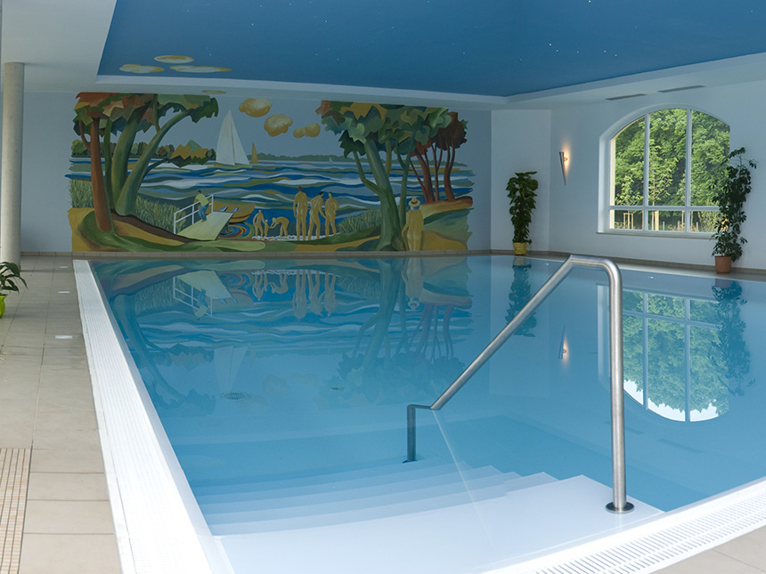 https://bilder.touridat.de/17116/8317/17116-8317-10-Schwimmbad