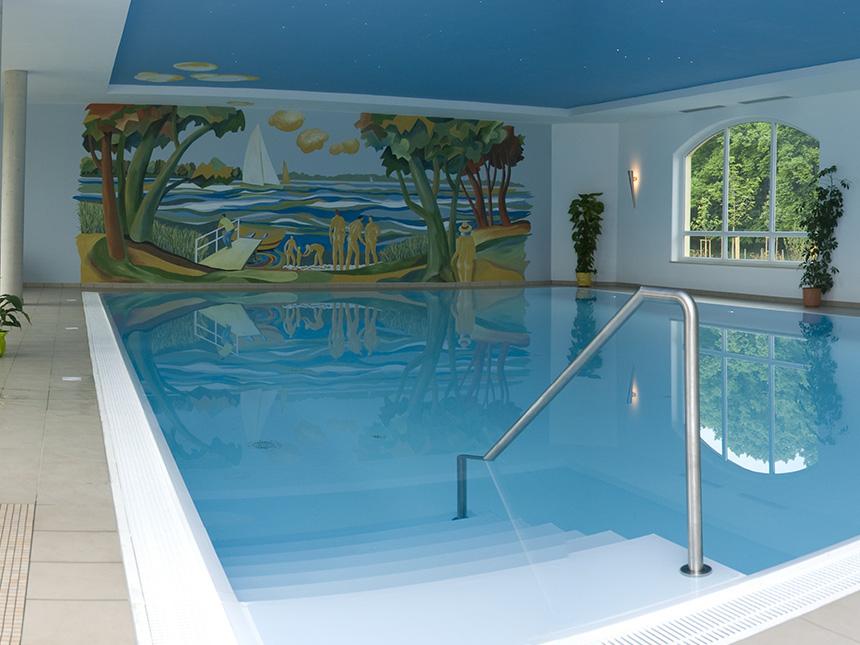 https://bilder.touridat.de/17116/8328/17116-8328-10-Schwimmbad