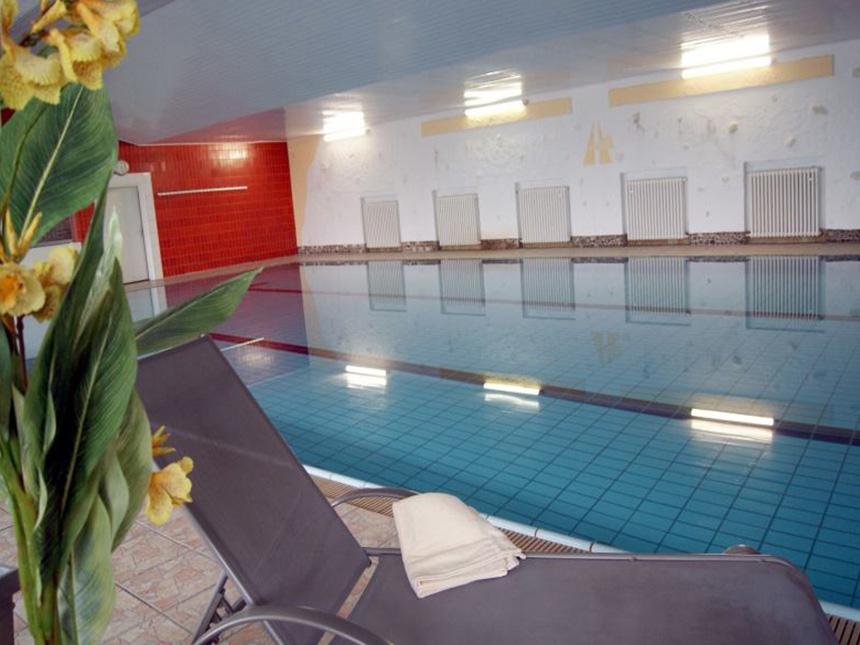https://bilder.touridat.de/17129/7269/17129-7269-06-Pool