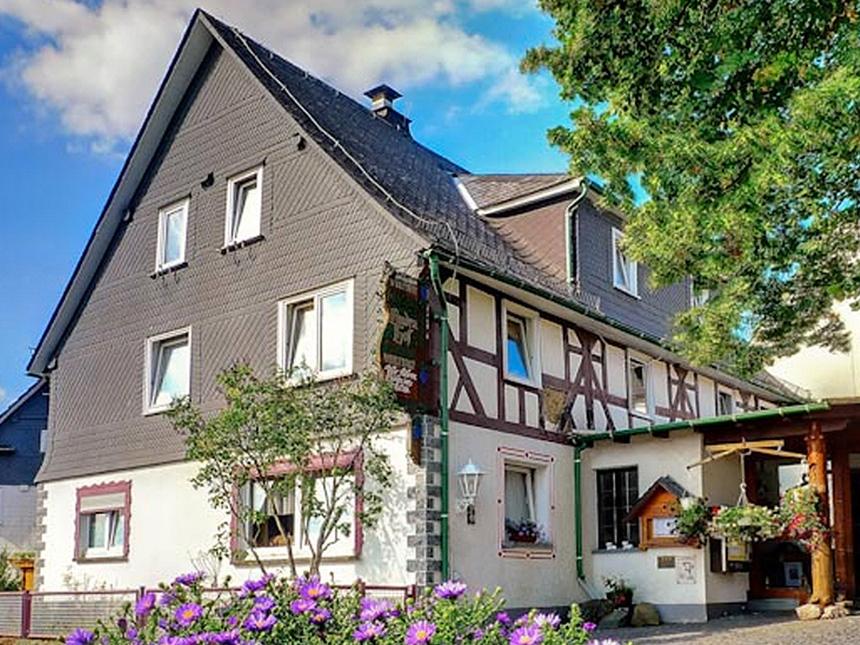 https://bilder.touridat.de/17256/7381/17256-7381-12-Haus-aussen