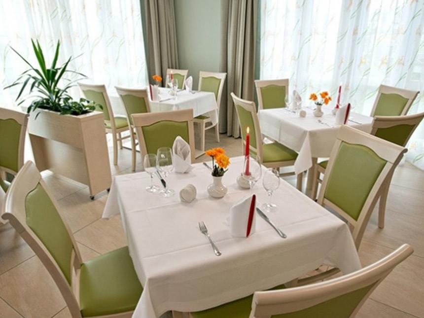 https://bilder.touridat.de/17337/7494/17337-7494-05-Restaurant-01