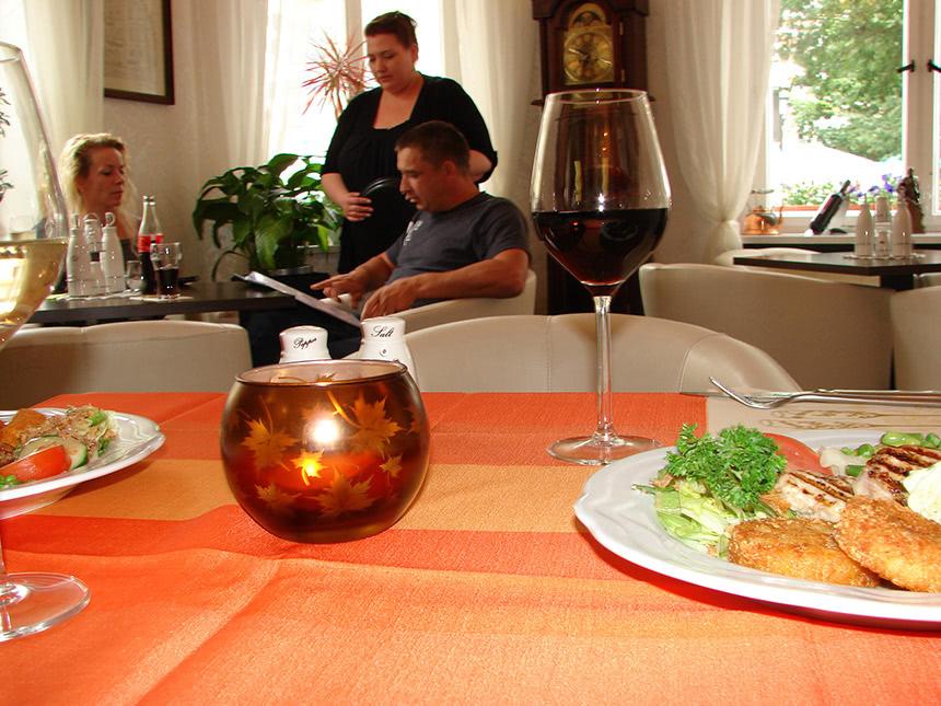 https://bilder.touridat.de/17461/7552/17461-7552-07-Restaurant