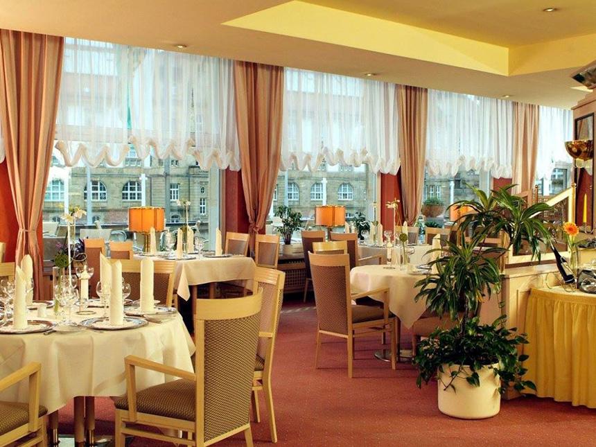 https://bilder.touridat.de/17644/7517/17644-7517-05-Restaurant-01
