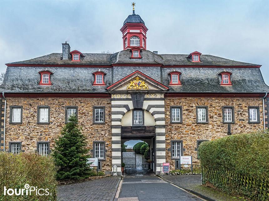Eifel 4 Tage Urlaub Hotel Schloss Burgbrohl Rei...