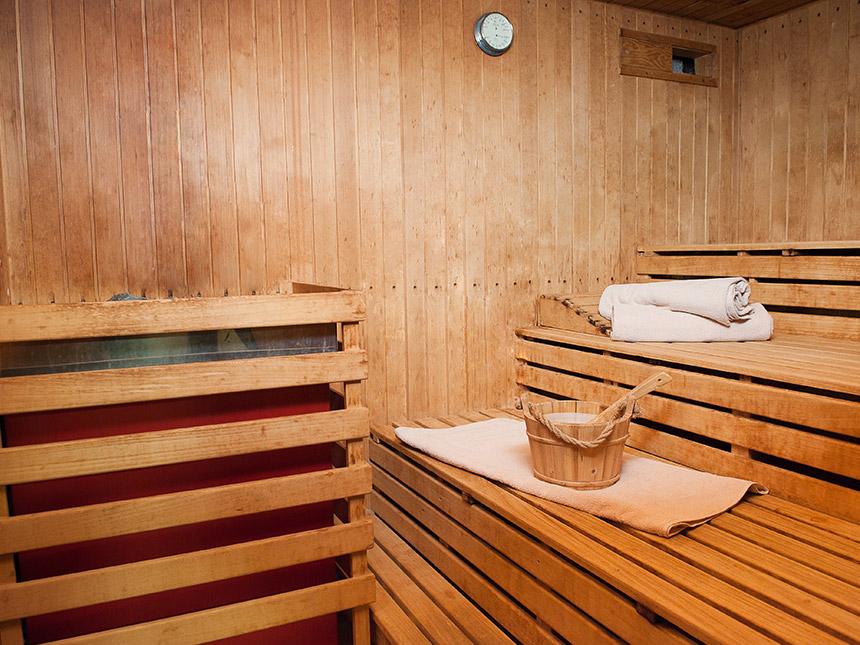 https://bilder.touridat.de/18030/8484/18030-8484-09-Sauna