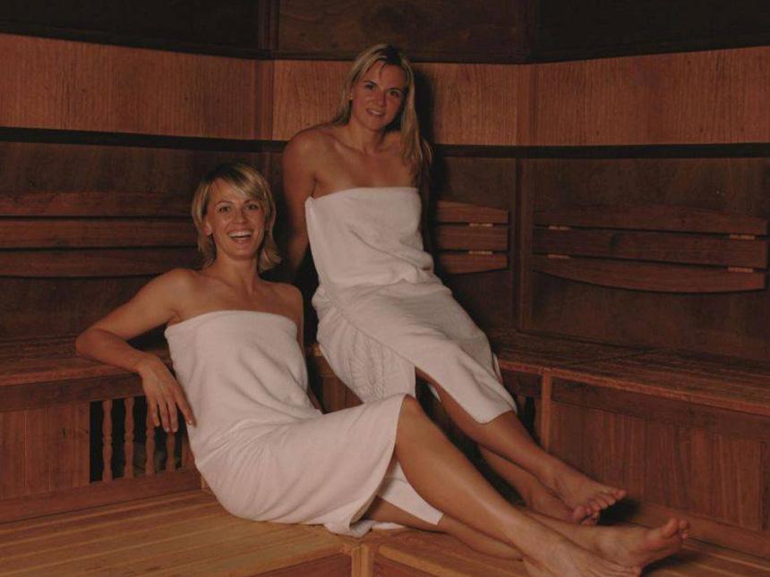 https://bilder.touridat.de/18382/8745/18382-8745-09-Sauna