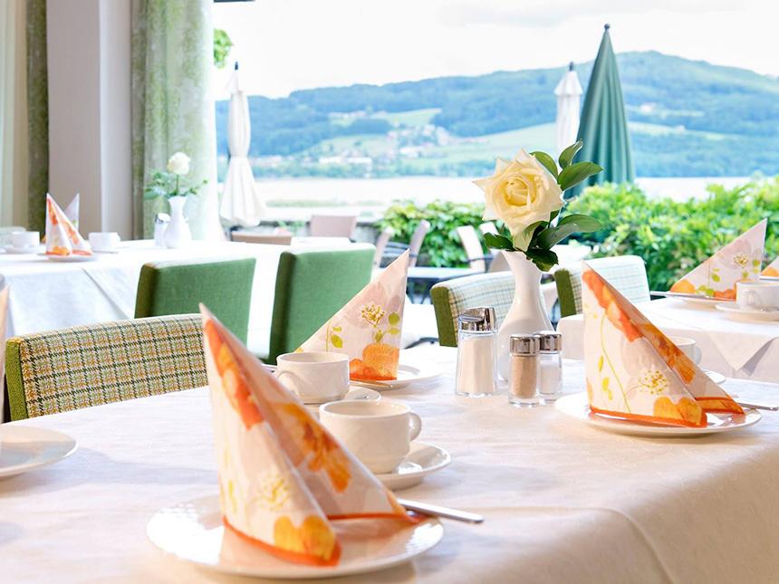 https://bilder.touridat.de/19620/8196/19620-8196-05-Restaurant