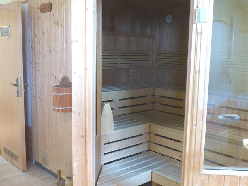 https://bilder.touridat.de/20280/8480/20280-8480-09-Sauna-01