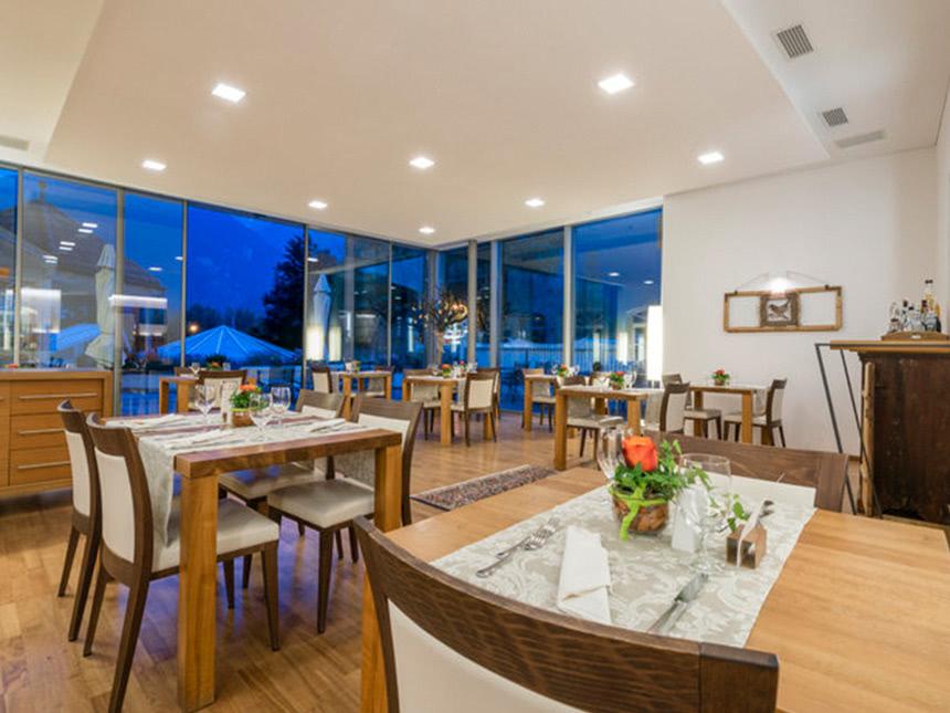 https://bilder.touridat.de/20373/8500/20373-8500-02-Restaurant