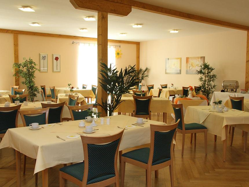 https://bilder.touridat.de/8530/7459/8530-7459-04-Restaurant