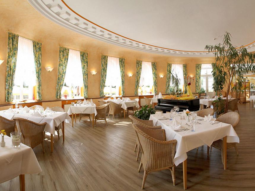 https://bilder.touridat.de/8530/7459/8530-7459-06-Restaurant