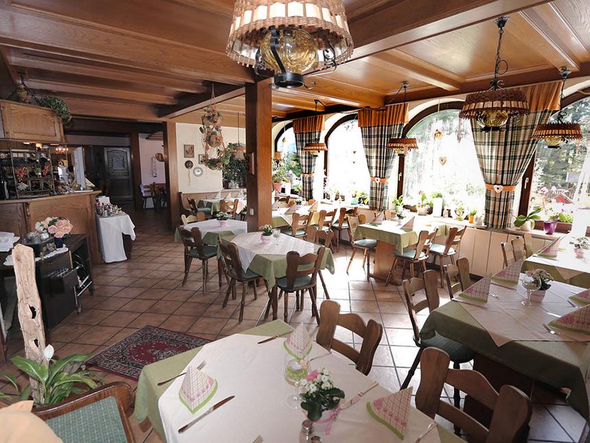 https://bilder.touridat.de/9389/5223/9389-5223-06-Restaurant